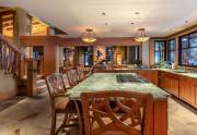 WEB-8-Lahontan-Realty-Home-360-361-kitchen
