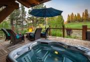 WEB-8-Lahontan-Realty-Home-362-hottub